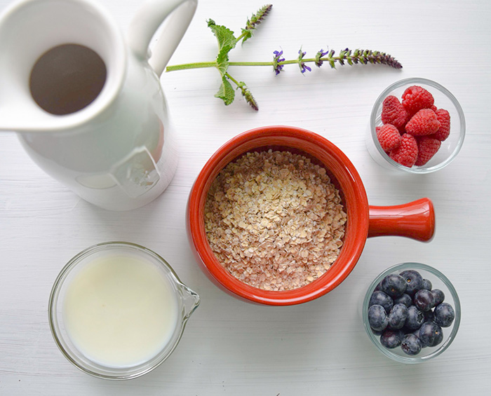 Oats and fruit are healthy sources of carbs